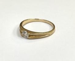 Кольцо золотое с камнем 2,68 гр