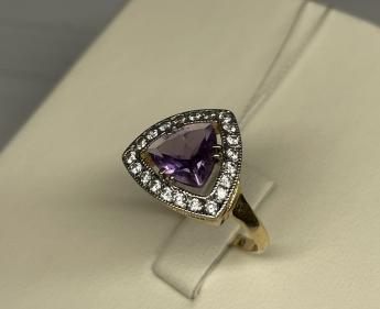 Телефон Fly FF243