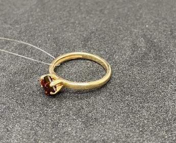 Кольцо золотое новое 15 р